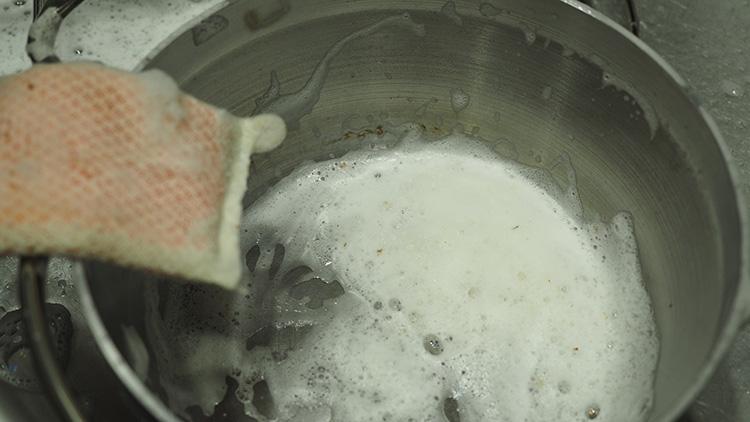 SOTOステンレスダッチオーブン 洗剤使用OK
