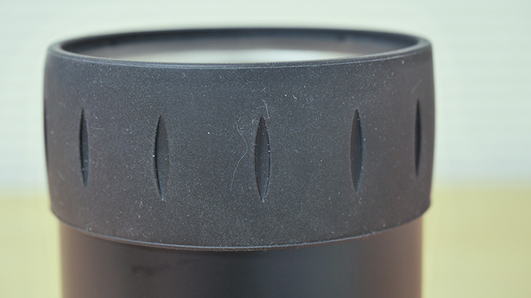 サーモス保冷缶ホルダーシリコン部材のほこり付着