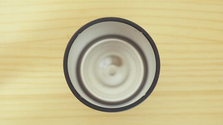 サーモス保冷缶ホルダー350mlの口部分とシリコンゴム部品