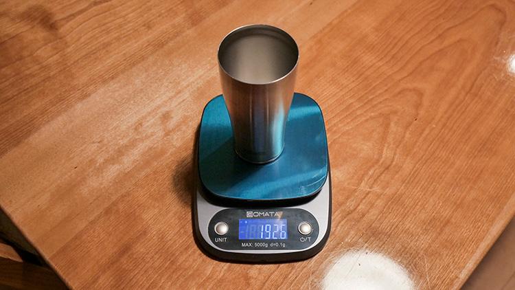 サーモスステンレス真空断熱タンブラー420mlの実測重量は192.6g