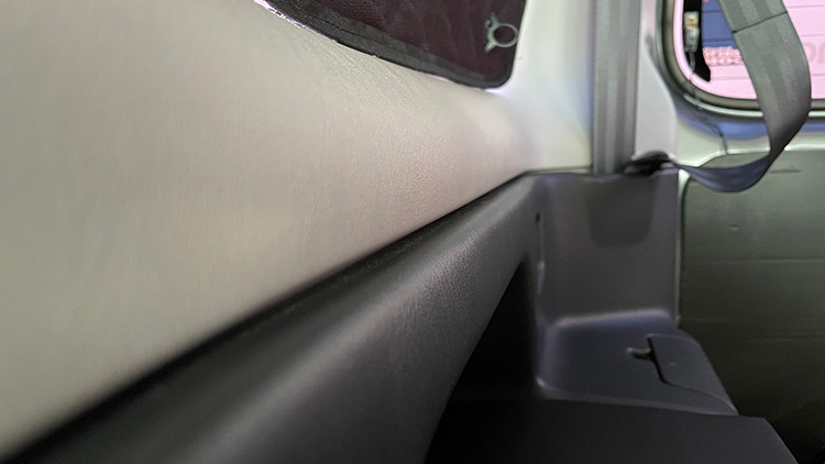 リアサイドテーブル設置手順3-2(天板の固定)