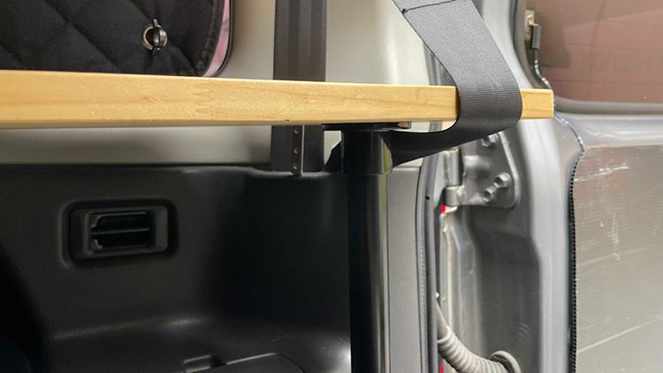 リアサイドテーブル設置手順3-5(天板の固定)