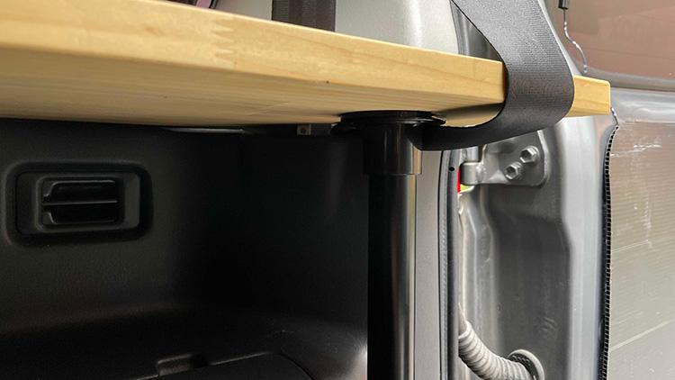 リアサイドテーブル設置手順3-6(天板の固定)